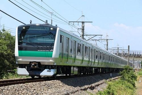 Saikyou E233-402a.jpg