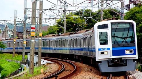 Seibu 6000-604a.jpg