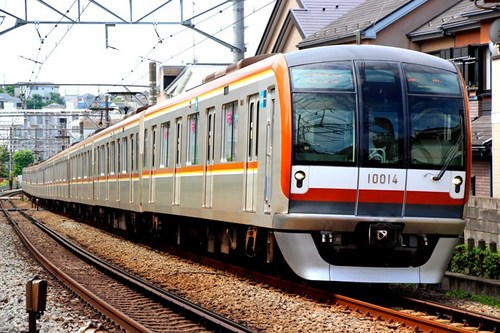 Tokyo Metro 10000-403a.jpg